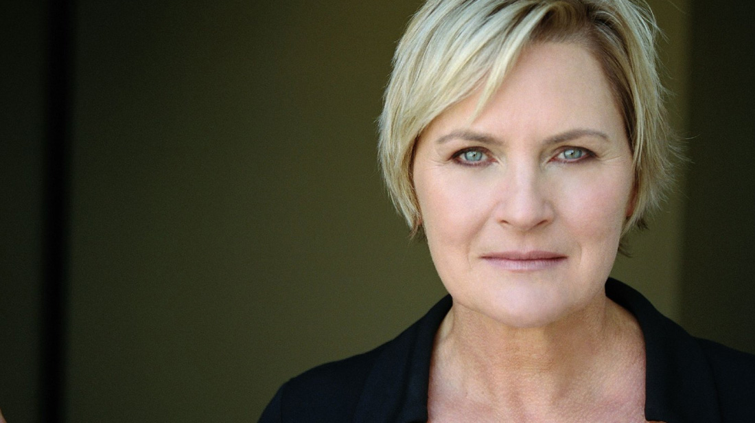 Denise Crosby is an American actress who is famous for her roles in Star  Trek: The Next Generation and Days of Our Lives. Crosby first worked as a  model ...